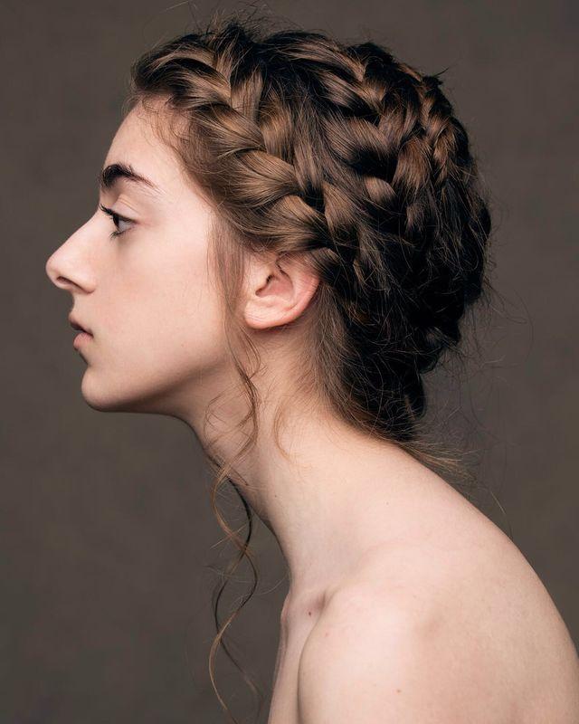 Trenza francesa en espiral. Por Ube Hairstyle @ubehairstyle Fotografía de Dayron Vera @dayvera