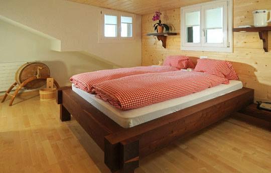 Beispiel: Rusitkales Zimmer für die Gäste, Foto: Hotel Restaurant Meielisalp.