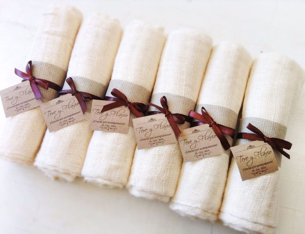 Chalina de algodón deshilado con decoración personalizada