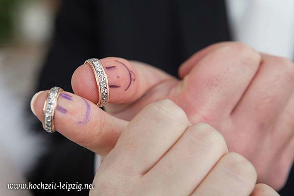 Beispiel: Originelle Detailfotografie, Foto: Hochzeits- & Eventfotografie Tilo Kemnitz.