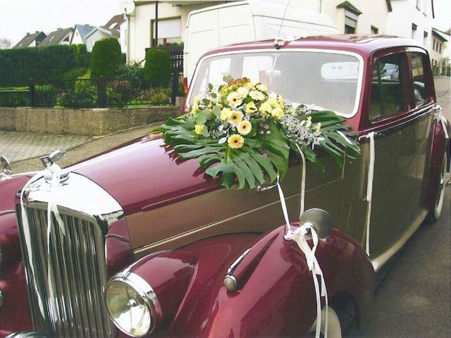 Beispiel: Hochzeitsfloristik, Foto: Georgs Blumen.
