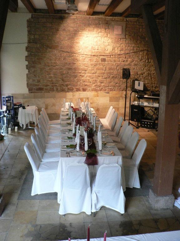 Beispiel: Hochzeitstafel, Foto: Majer Weingut.