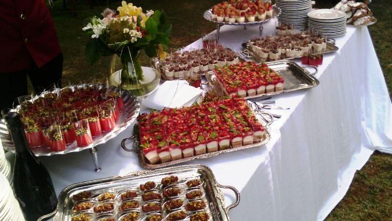 Masseria Rossella - Buffet in piscina