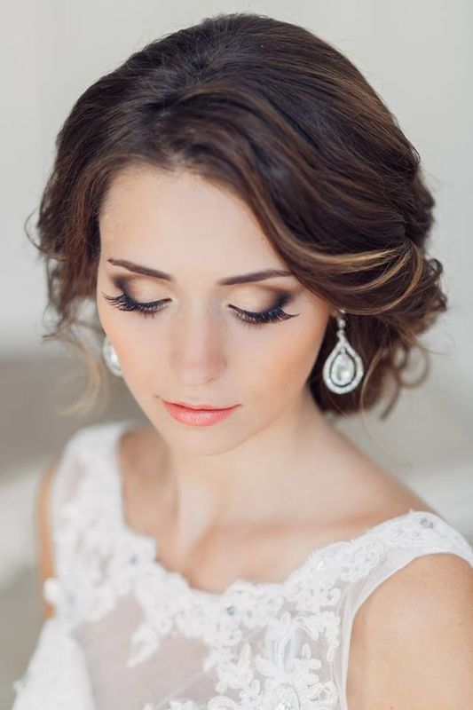 Especialista maquillaje y peinado para novias