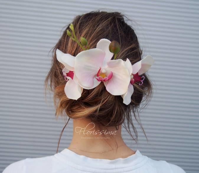 Orchidea we włosach
