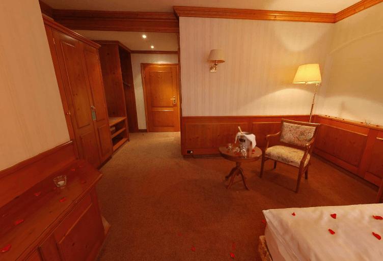 Beispiel: Zimmer, Foto: AKZENT Hotel Goldener Hirsch.
