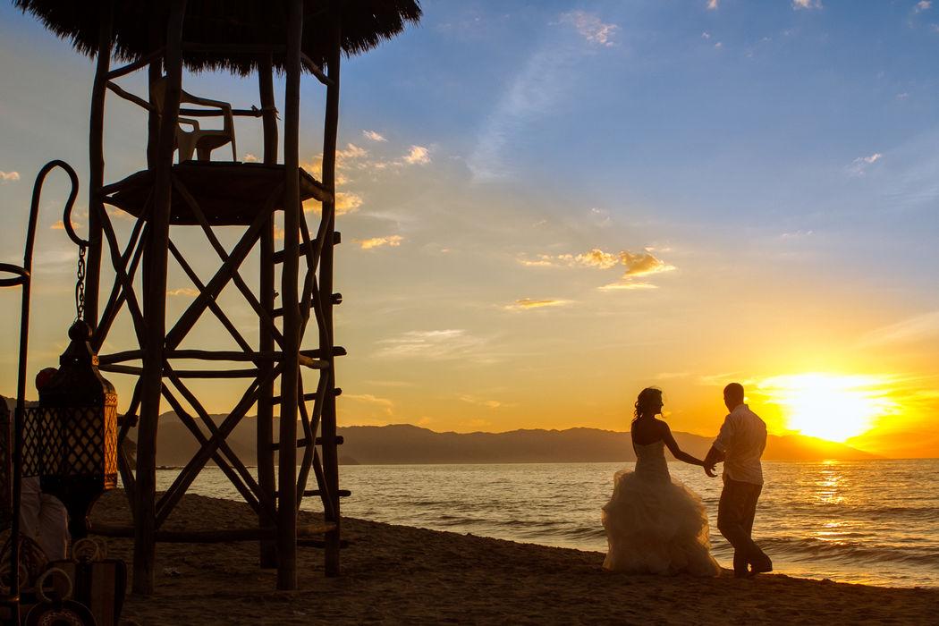 Lime Fotografia de bodas Playa los Muertos Puerto Vallarta