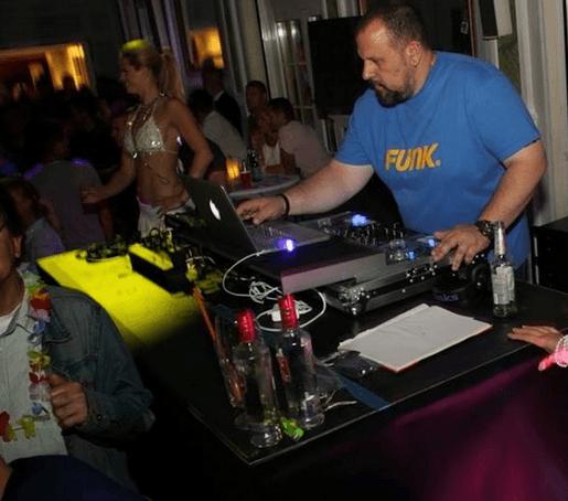Beispiel: DJ Tom, Foto: DJ T.o.m T.o.m.