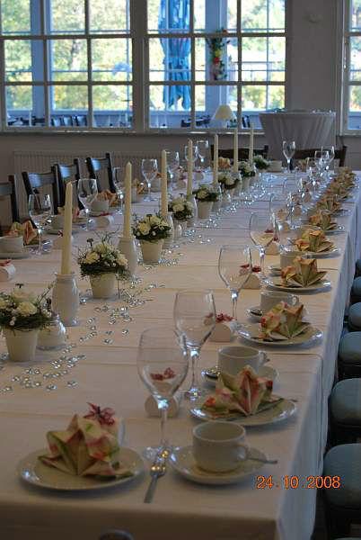 Beispiel: Hochzeitsbankett - Tischdekoration, Foto: Neu Helgoland.