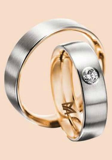 Beispiel: Mehrfarbige Ringe, Foto: Juwelier Schneider.