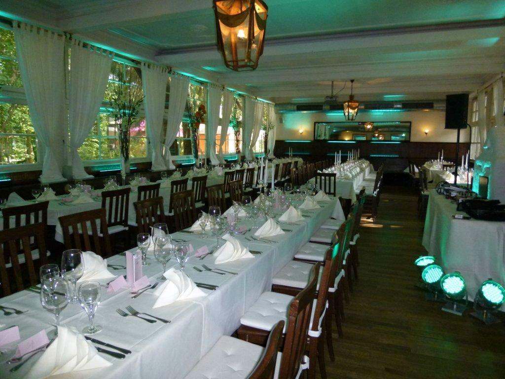 Beispiel: Festsaal - Hochzeitstafel, Foto: Zum Brunnwart.