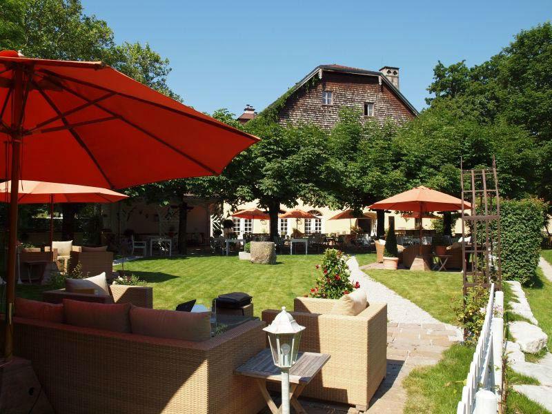 Beispiel: Außenbereich, Foto: Hotel & Restaurant Schlosswirt zu Anif.