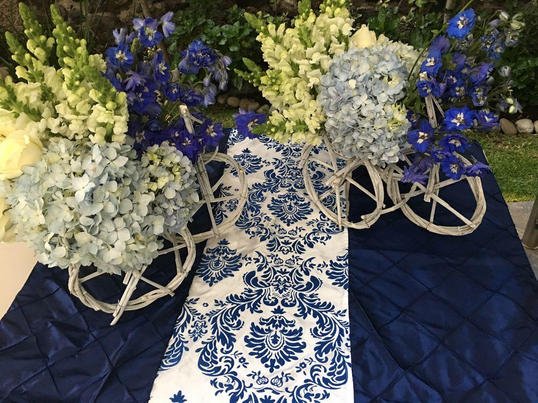 Mantelería, accesorios decorativos y diseño floral