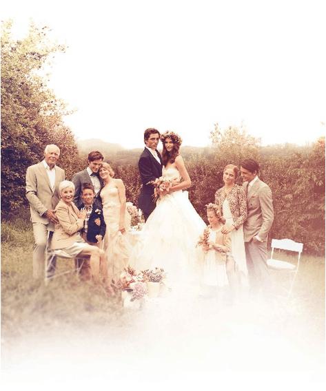 Beispiel: Brautpaar und Familie, Foto: Galli Bijouterie.