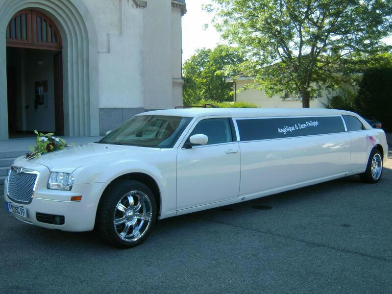 Beispiel: Hochzeitslimousine, Foto: FUN-LIMOS Limousinenservice & Chauffeurdienst.