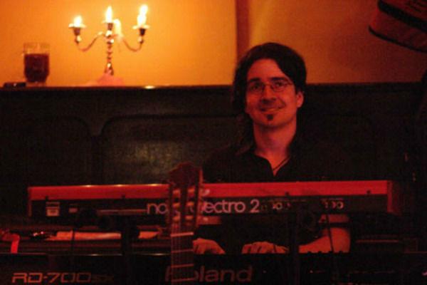 Beispiel: Alexander Nagel, Foto: Alexander Nagel - Pianist & Keyboarder.