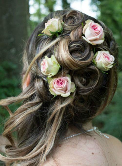 Beispiel: Haarschmuck, Foto: Sommerer Blumen.