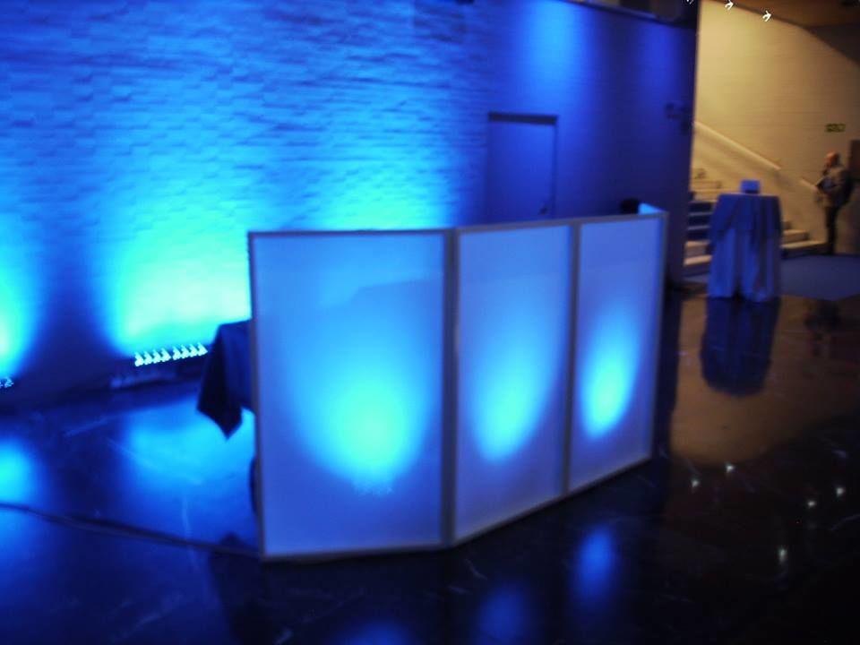 Cabina para DJ retroiluminada