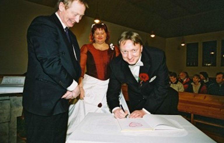 Beispiel: Glücklicher Bräutigam, Foto: Johannes Dietl-Zeiner.