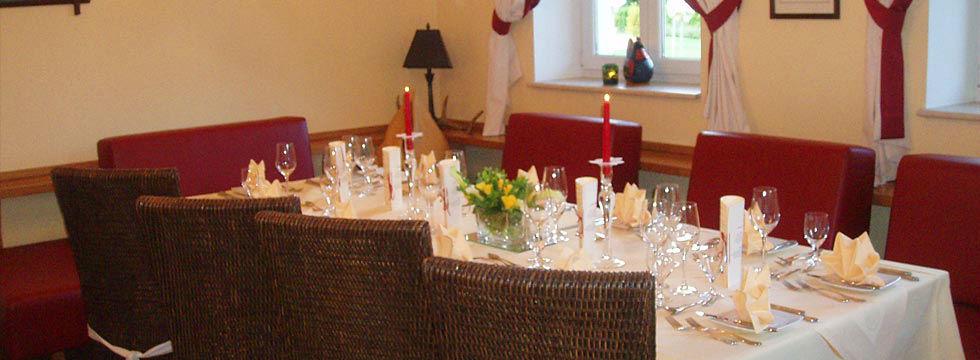 Beispiel: Romantisches Dinner, Foto: Hotel Eichingerbauer.