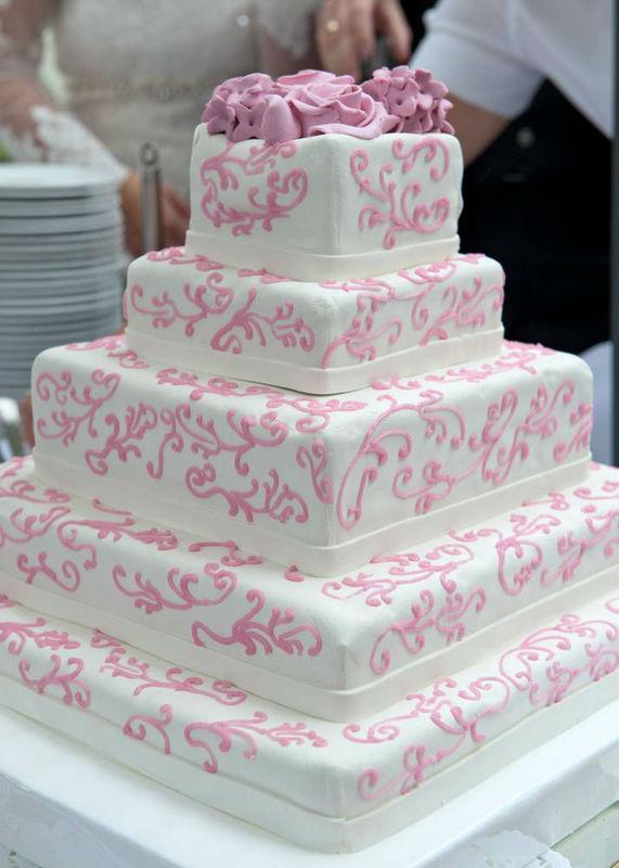 Beispiel: Ihre Hochzeitstorte, Foto: Agentur Traumhochzeit.