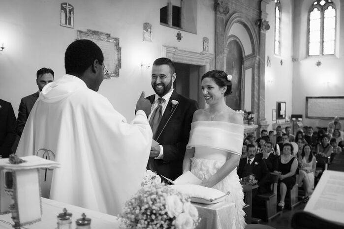 Cerimonia di Fabio e Valeria nella chiesa di Sant'Aurea