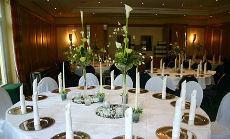 Beispiel: Tischdekoration, Foto: Blumen Dürr.