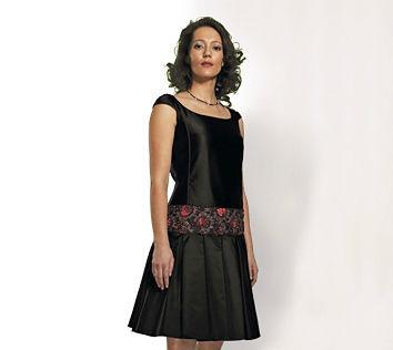 Beispiel: Ihr Outfit für die nächste Hochzeit, Foto: JAAP Abendmode.