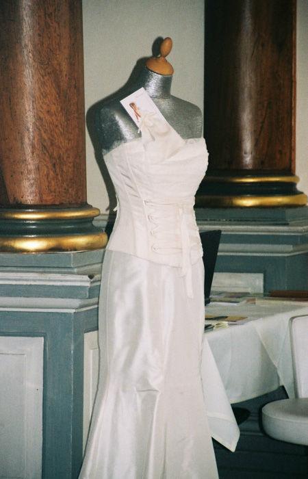 Beispiel: Traumkleider, Foto: Rieth-Couture.