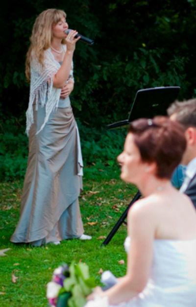 Beispiel: Trauungszeremonie, Foto: Hochzeitssängerin Dana Raabe.