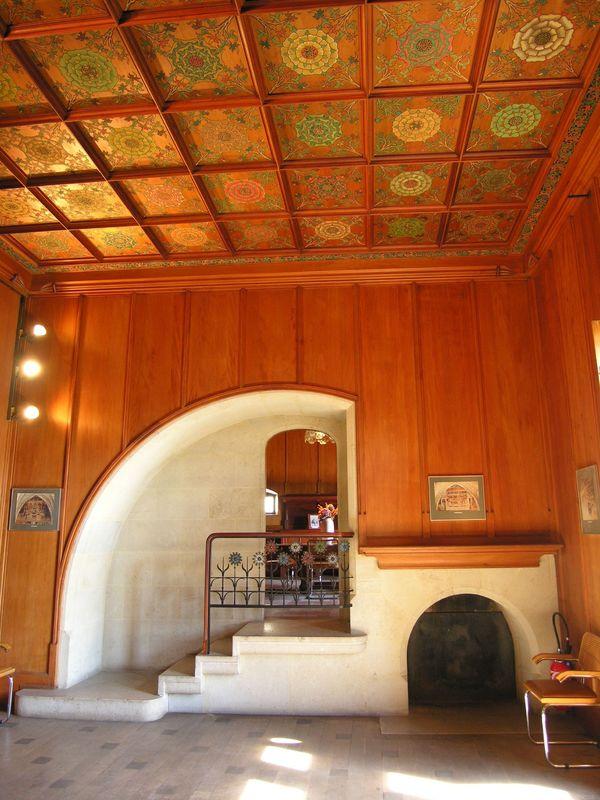 Salle aux rosaces