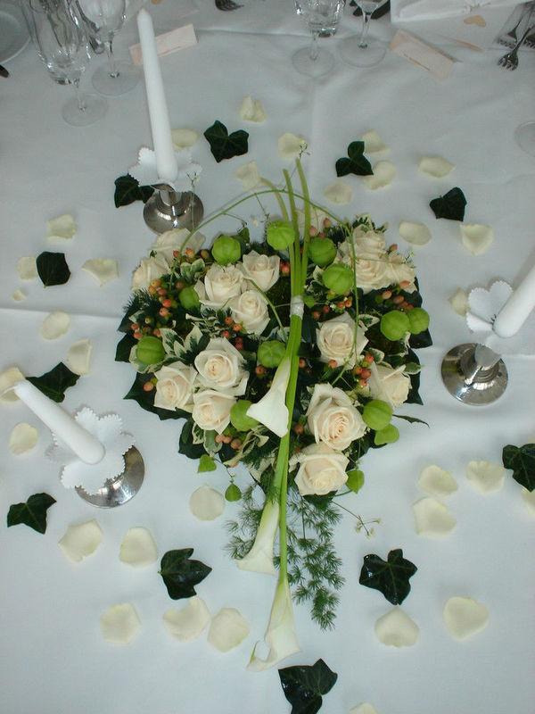 Beispiel: Tischdekoration, Foto: Hotz Gärtnerei.