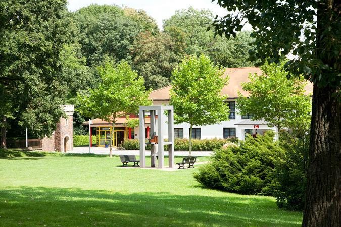 Beispiel: Außenansicht - Park, Foto: Luckner Parkrestaurant.
