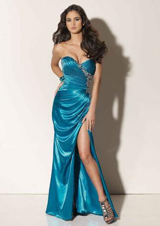 Beispiel: Tolle Outfits für die Frau, Foto: La Passion Abendmode.