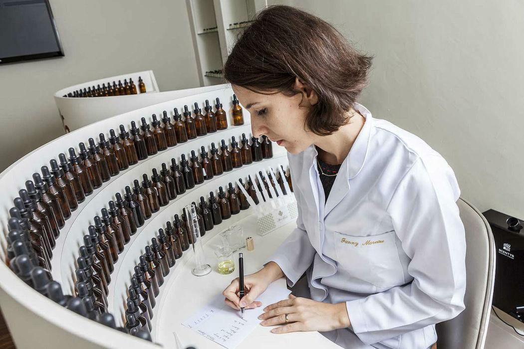 A Mon Absolu imagina e compoe fragrâncias com formulas exclusivas e confidenciais!