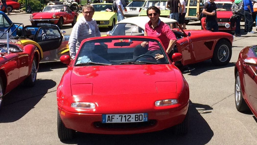 Mazda mx 5 cabriolet 2places 'Speedy Cherry' de 1991 AVEC et SANS chauffeur
