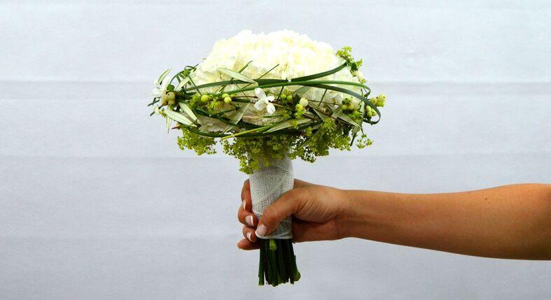 ramo de novia con corona