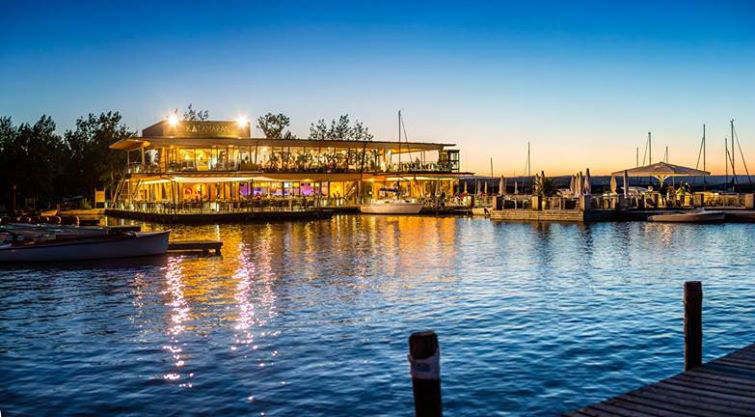 Beispiel: Der See bei Sonnenuntergang, Foto: Seerestaurant Katamaran.