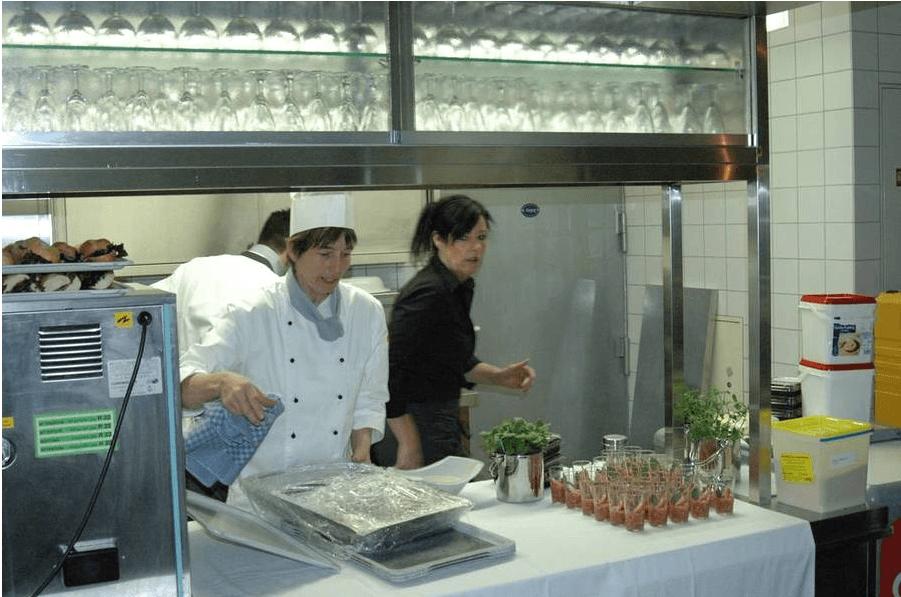 Beispiel: Vorbereitungen in der Küche, Foto: Richterkeller.