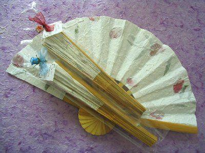 La cigüeña de papel, abanicos de papel