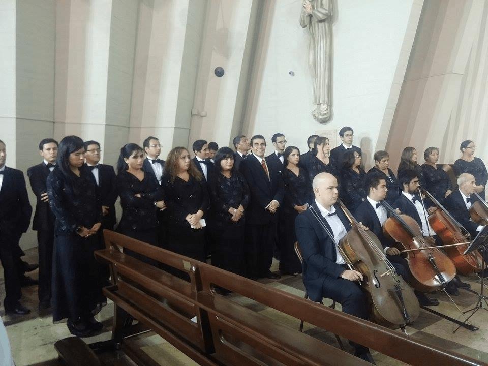 En la Parraquia Santisimo Nombre de Jesús, un elenco de mas de 25 artistas.