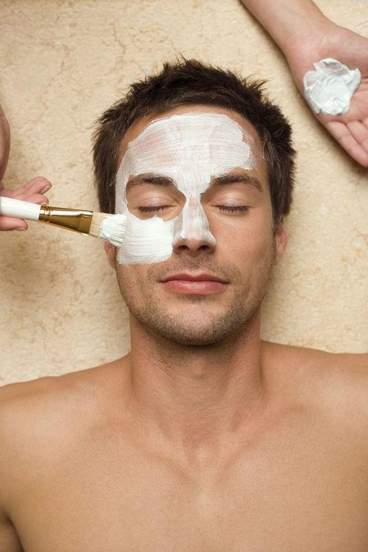 Beispiel: Gesichtspflege - auch für Männer, Foto: Senzera.