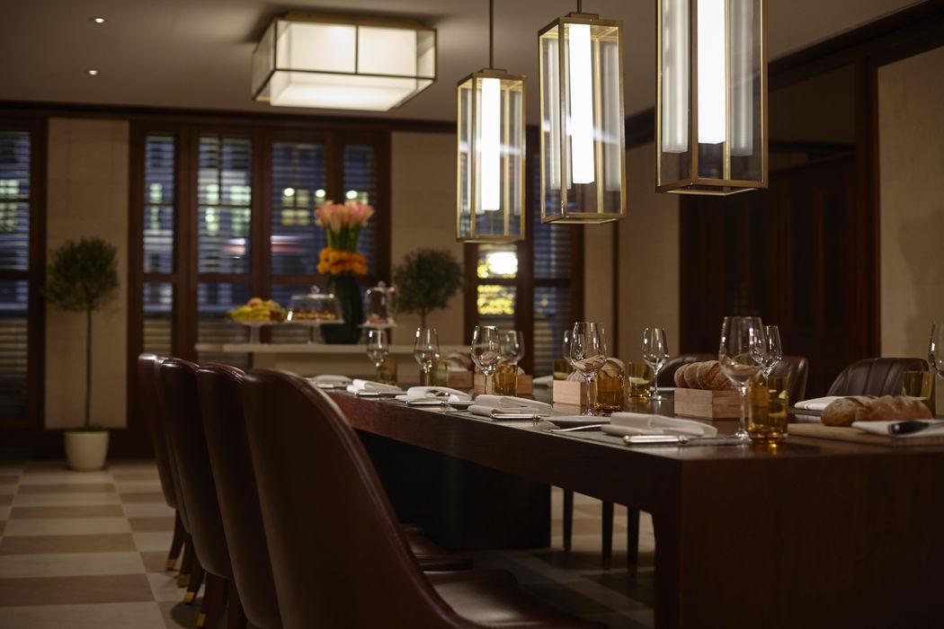 Beispiel: Kaminzimmer, Foto: Hotel Adlon Kempinski.