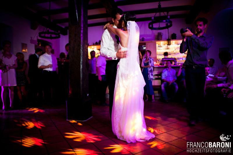 Beispiel: Fotos vom Tanz des Brautpaares, Foto: Franco Baroni.