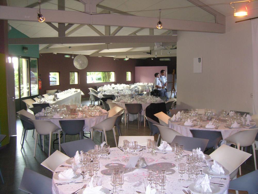 Salle de réception dans le Tarn à décorer selon vos goûts