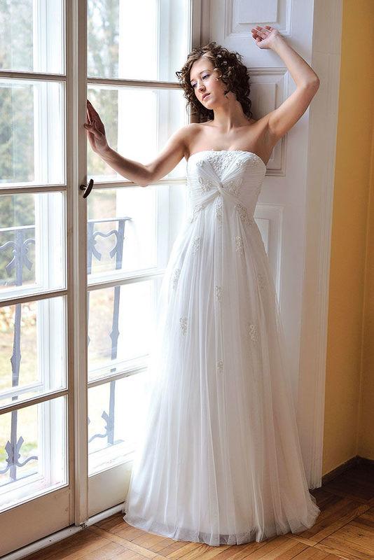 Beispiel: Brautkleid Summer von Lohrengel, Foto: Bösckens.