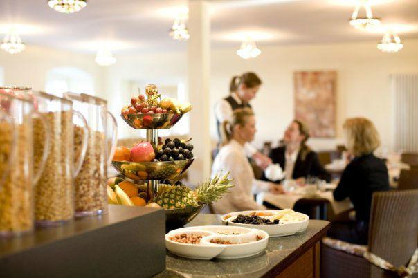 Beispiel: Frühstücksbuffet, Foto: Schloss Reinach.