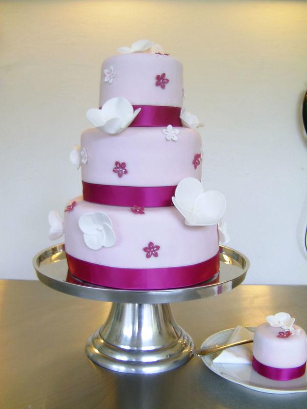 Beispiel: Hochzeitstorte, Foto: Liebes Bisschen.