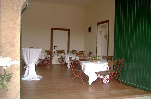 Beispiel: Nebenzimmer zum Gewölbestall, Foto: Hofgut Habitzheim.