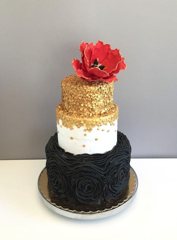 tort weselny z makiem